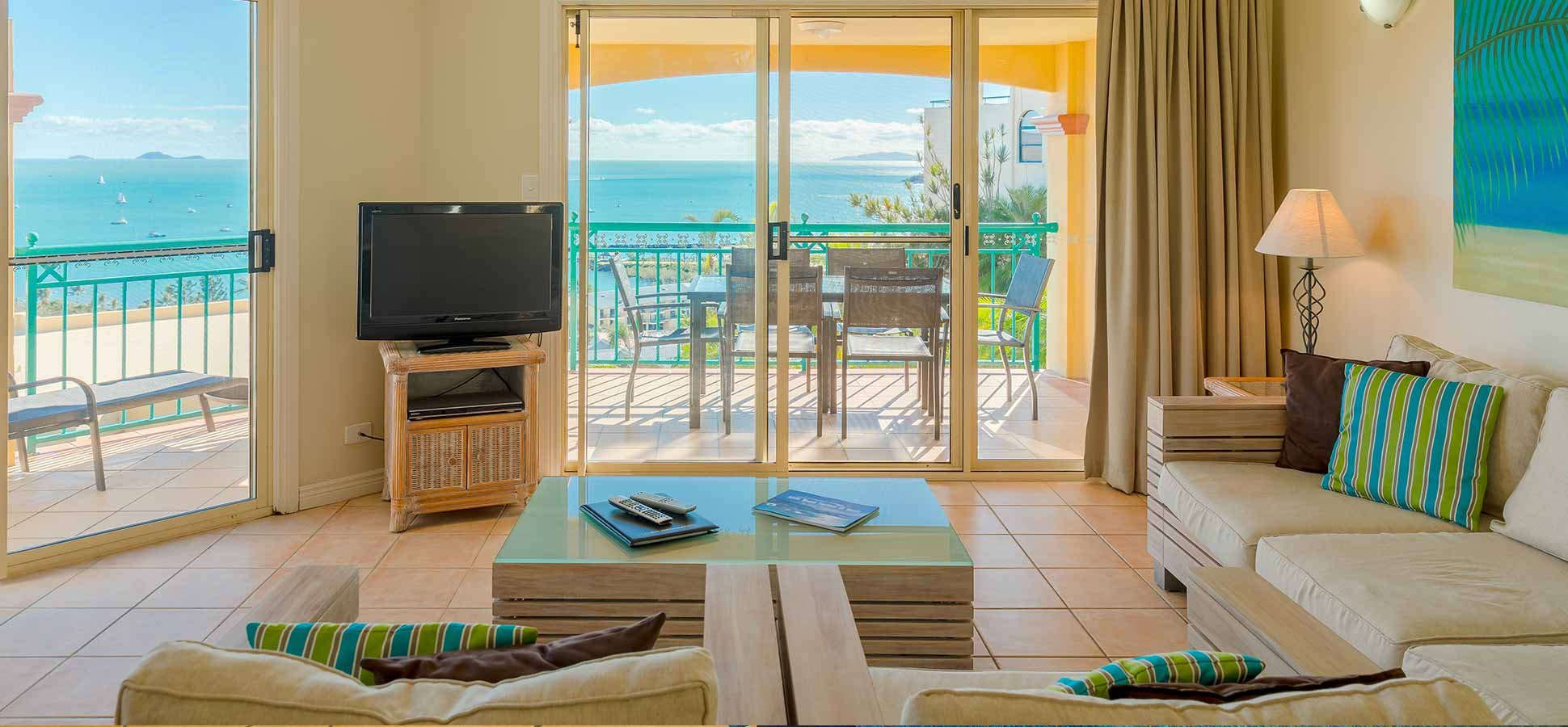 airlie beach apartments three bedroom